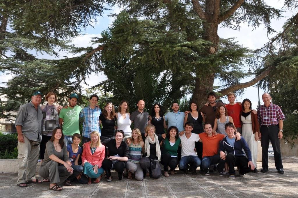 10-Die-greenXchange-Teilnehmer-vor-dem-KKL-Hauptsitz-in-Jerusalem